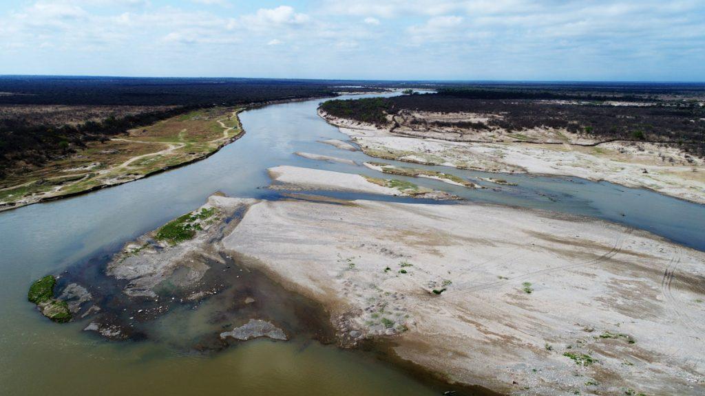 Fig. 5 Barras del Río Dulce aguas abajo de los rápidos